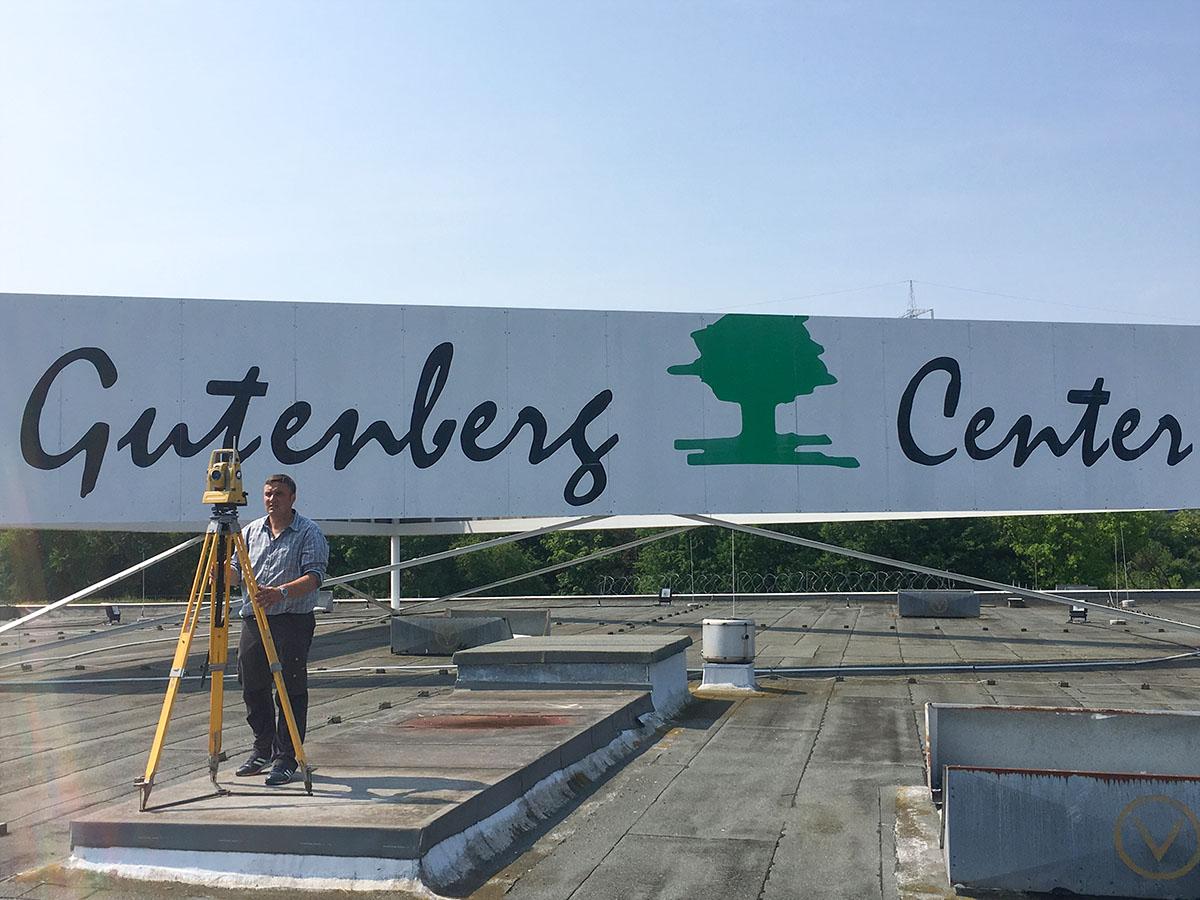 Holger-Klein-bei-der-Dachsanierung-Gutenberg-Center Mainz